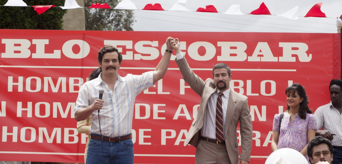 "WAGNER MOURA, JULIAN BUSTAMANTE and PAULINA GAITAN (right) star in NARCOS.  NARCOS S01E03 ""The Men of Always"""