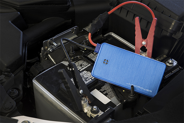 The Jumpr smartphone and car battery charger by Junopower.