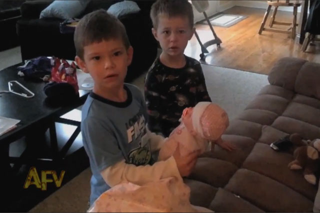 baby news reveal brothers