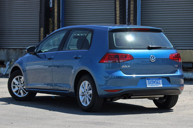 2015 volkswagen golf tsi first drive autoblog. Black Bedroom Furniture Sets. Home Design Ideas