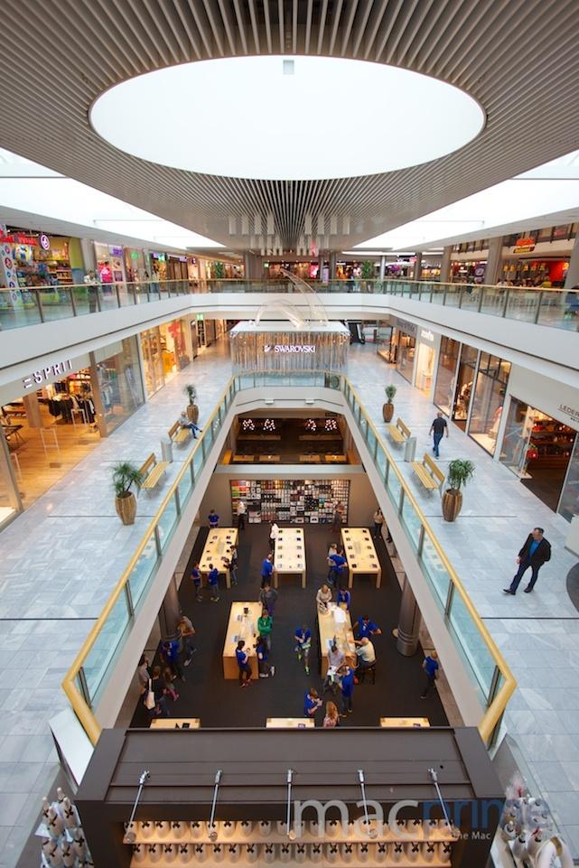 http://www.macprime.ch/news/article/weltweit-erstes-in-mall-provisorium-fuer-den-apple-store-glattzentrum/CI4/#bildergalerie