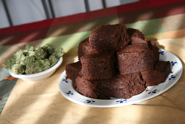 Dad finds kids' pot brownies, eats 4, insults family cat