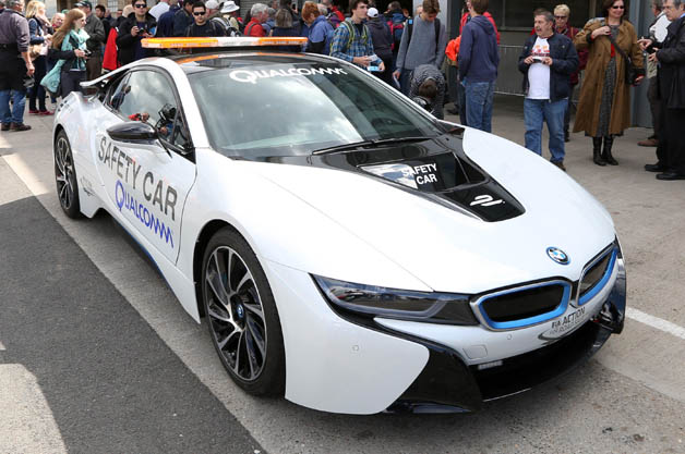 formula e gets wireless charging bmw i8 safety car w video. Black Bedroom Furniture Sets. Home Design Ideas