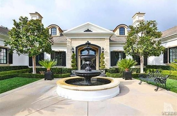 For Sale: Wayne Gretzky's Thousand Oaks Mansion