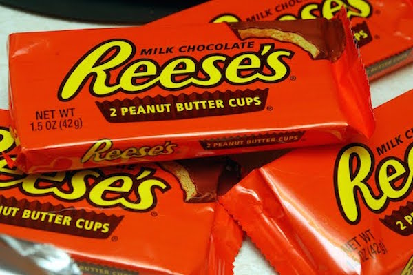 naked man robs store but only gets away with reese's peanut butter cups