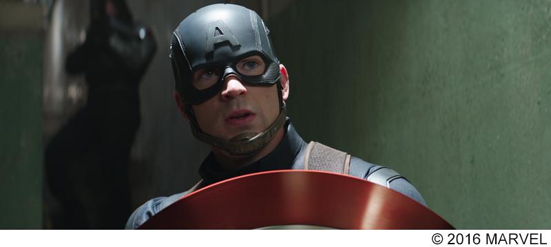 キャプテン・アメリカ役のクリス・エヴァンスが語る『シビル・ウォー』 描かれるのは「本物の家族の葛藤」 【インタビュー映像】
