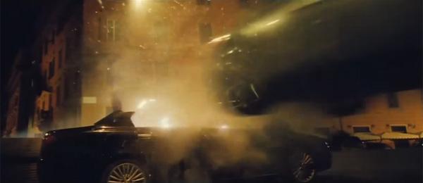『007 スペクター』ボンドがまた暴れてる!爆発、カーチェイス、空中戦、撃ち合い!