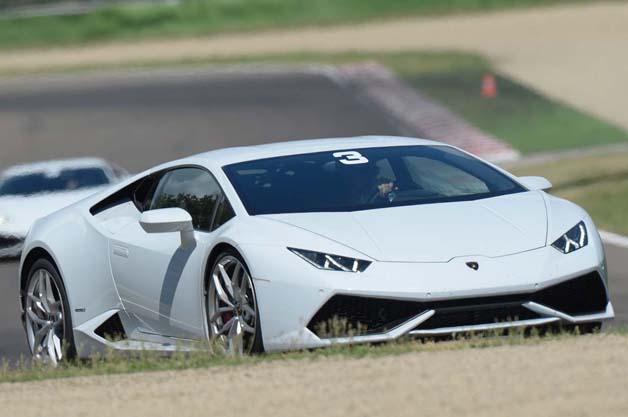 ランボルギーニ、ウラカンのレーシングモデル「ウラカン LP610-4 スーパートロフェオ」を開発へ!