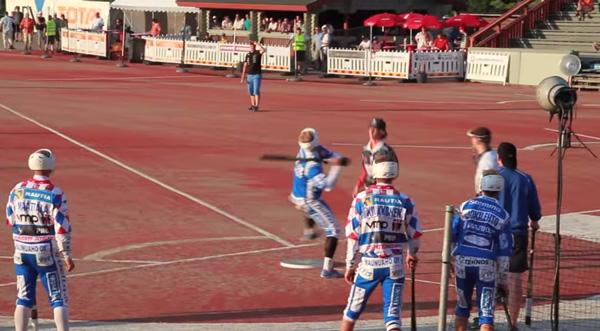 フィンランド式野球「ペサパッロ」のルールが謎過ぎる・・・プレー映像が話題に【動画】