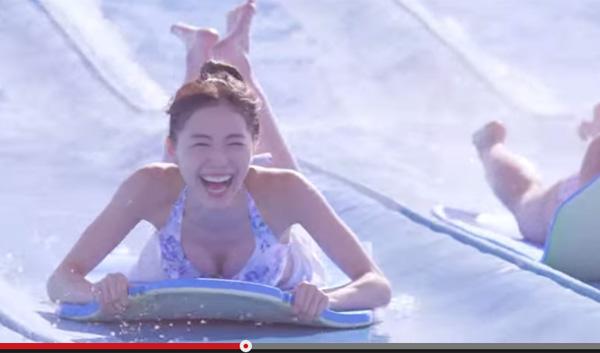 SKE48松井珠理奈が水着ではしゃぐ可愛すぎるCMがネット上で話題に