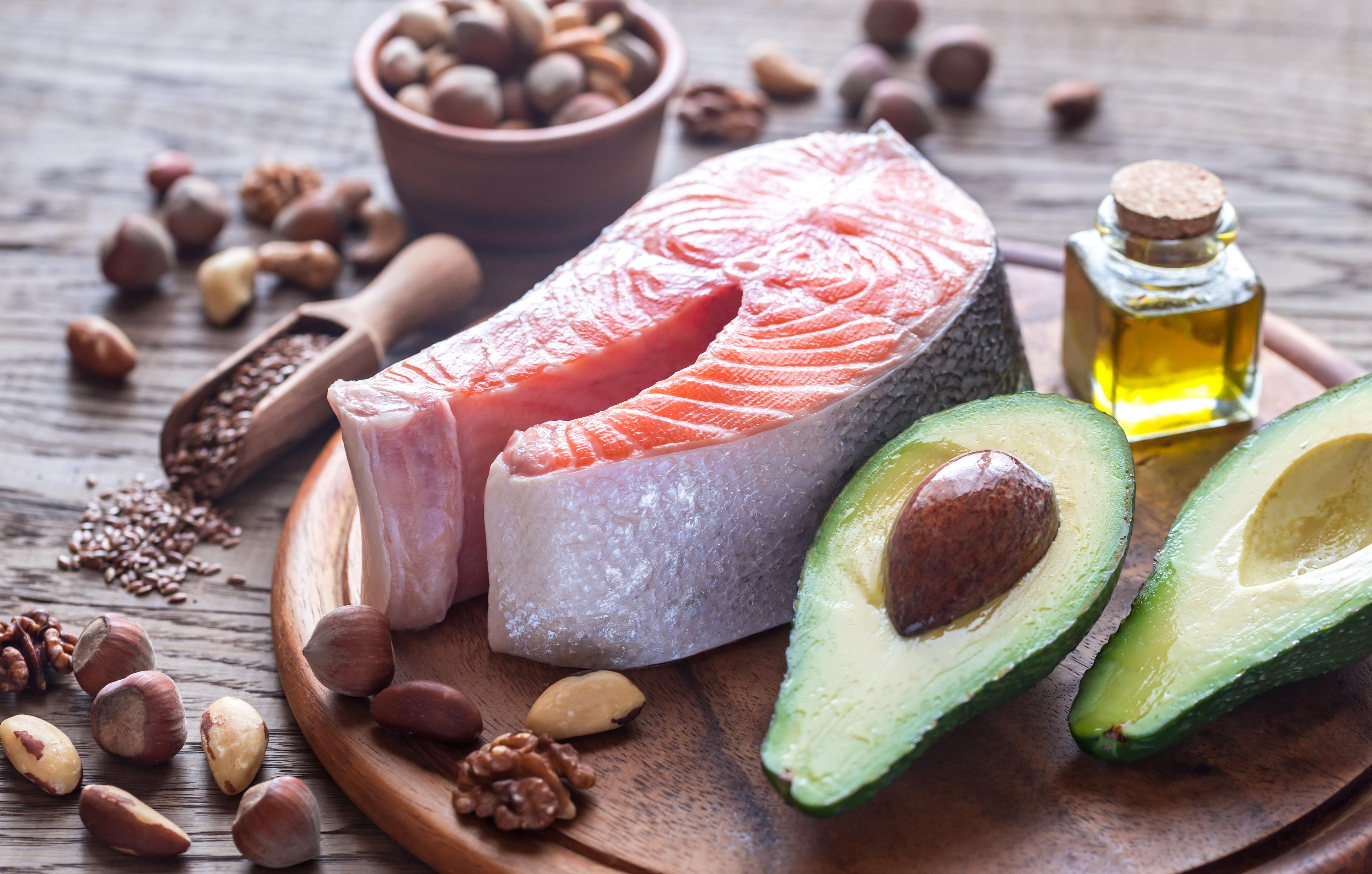 Excepcional Dieta pobre em carboidratos e rica em gorduras: é o que nós  YF16