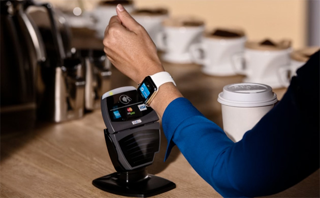 Here's how you pay with an Apple Watch