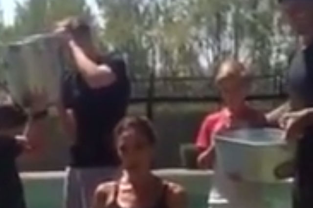 Victoria Beckham does the Ice Bucket Challenge (Video)