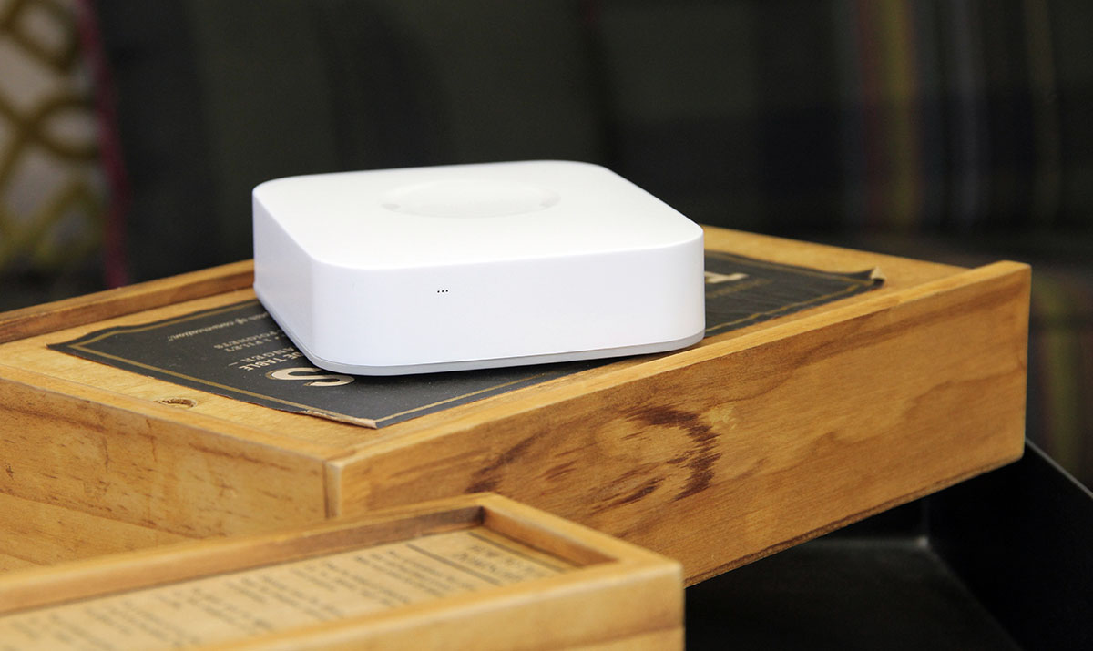 Samsung's next-gen SmartThings home hub goes on sale