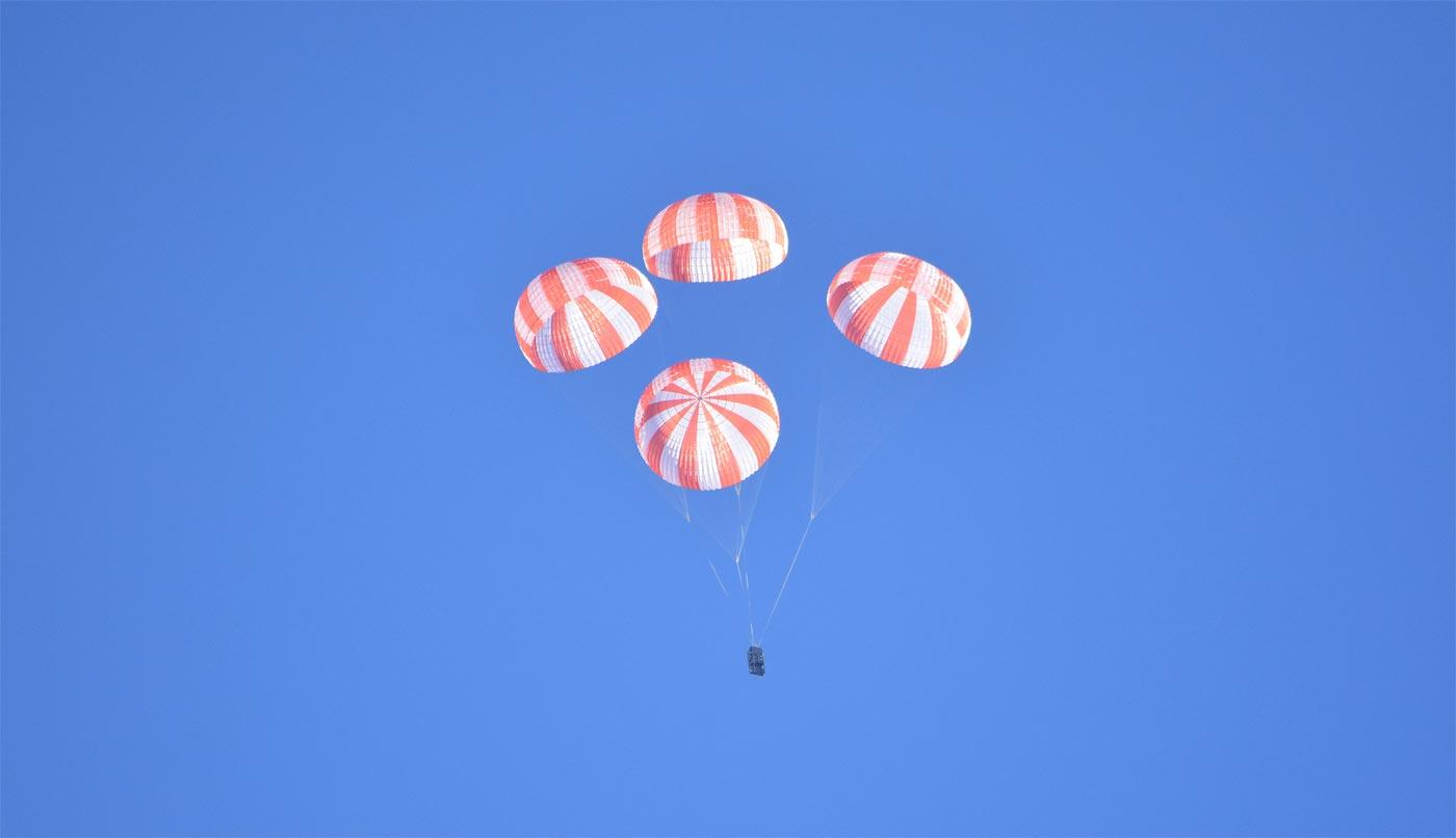 Video: SpaceX testet das Fallschirmsystem der Crew Dragon