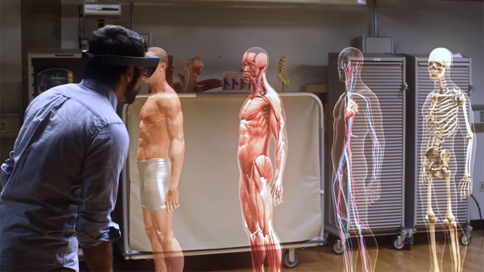 Así es como Microsoft enseñará medicina a los futuros doctores