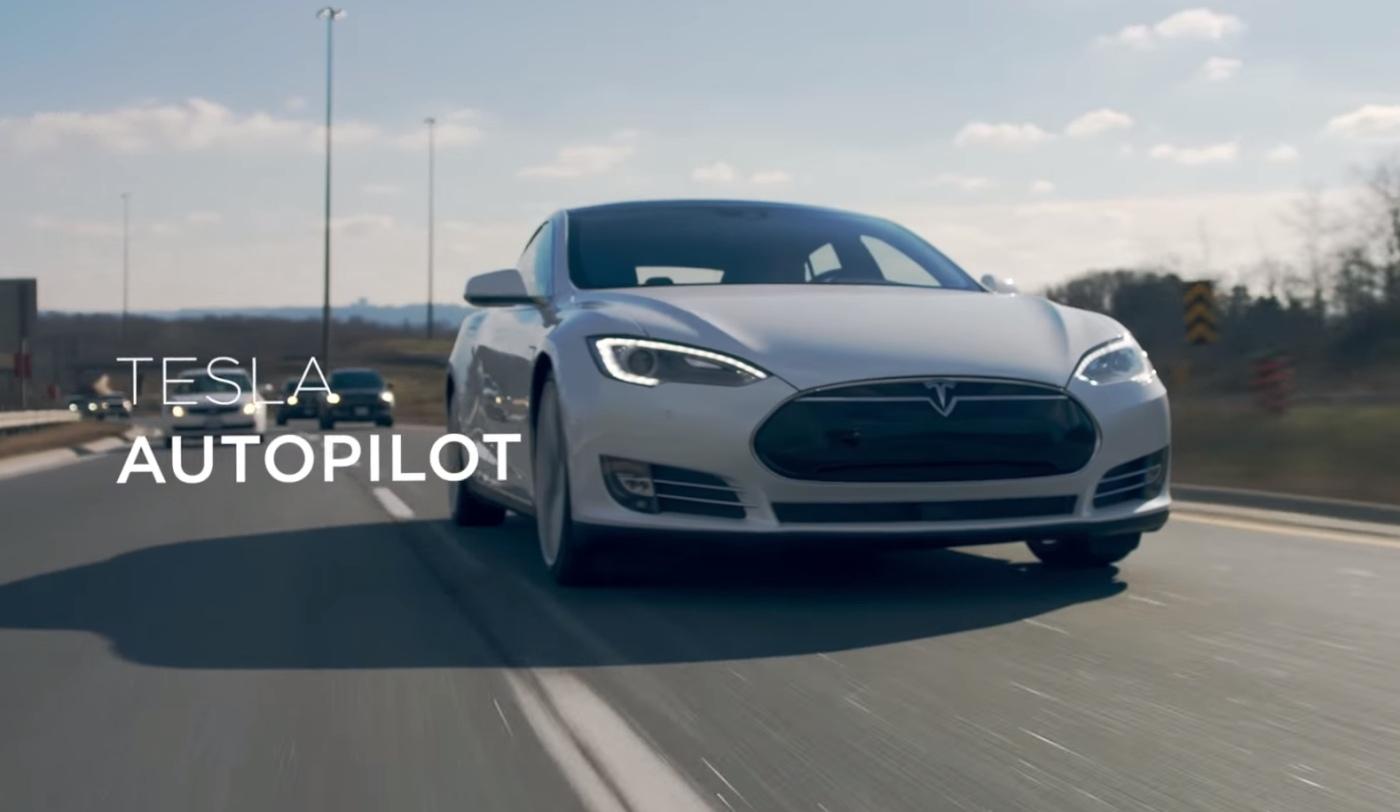 Tesla presume de modo automático con este vídeo