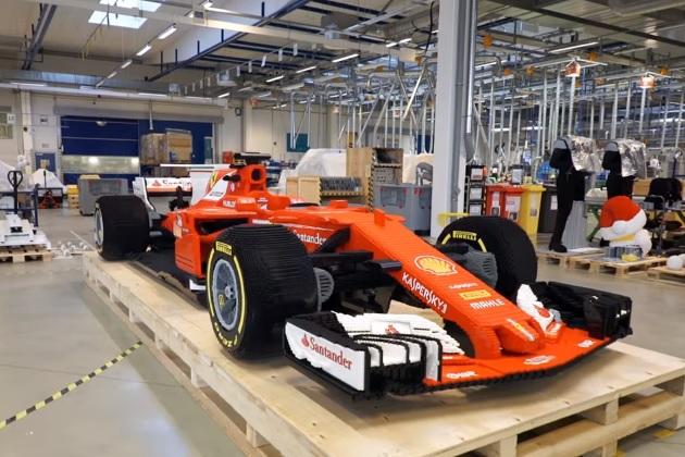 【ビデオ】フェラーリのF1マシン「SF70H」をレゴで再現! 35万個のブロックで実車と同じサイズに