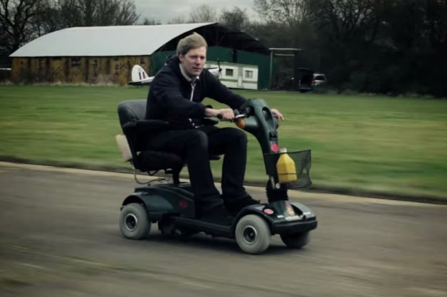 【ビデオ】「世界最速」「世界一長い」など数々のびっくりスクーターを生んだ男