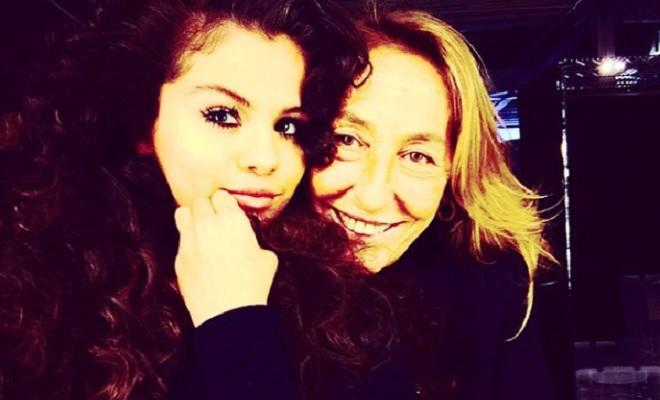 Selena Gomez's curly hair