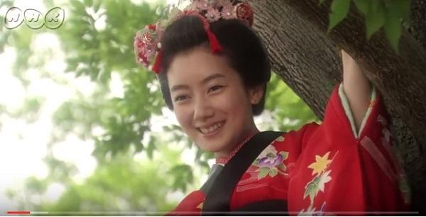 NHK朝ドラ『あさが来た』がスタートして話題に 「AKB48の主題歌が良い」「マッドすぎた、まれワールドが終わった」