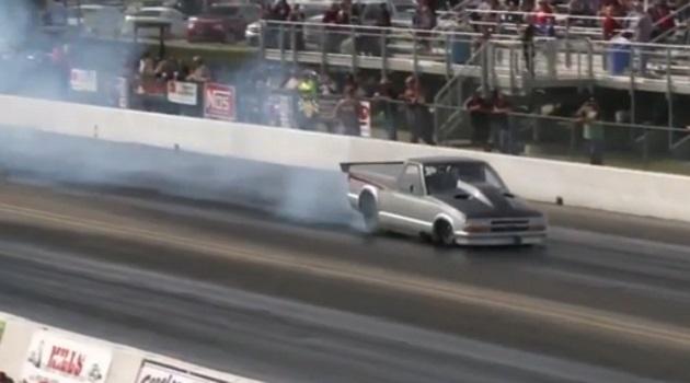 【ビデオ】驚異の加速! 世界最速の公道仕様車は1998年式のシボレーのピックアップ