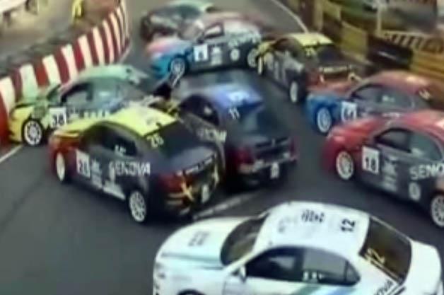 Pileup during Chinese Racing Cup race in Macau