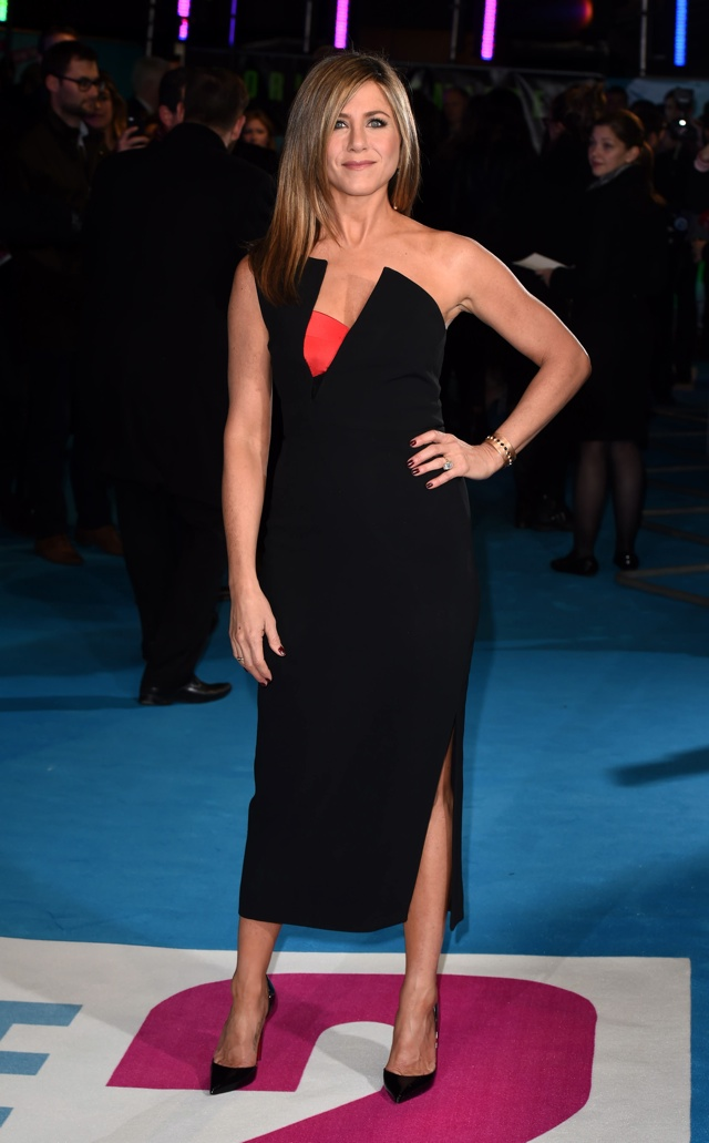 Jennifer Aniston sizzles at Horrible Bosses 2 premiere in London