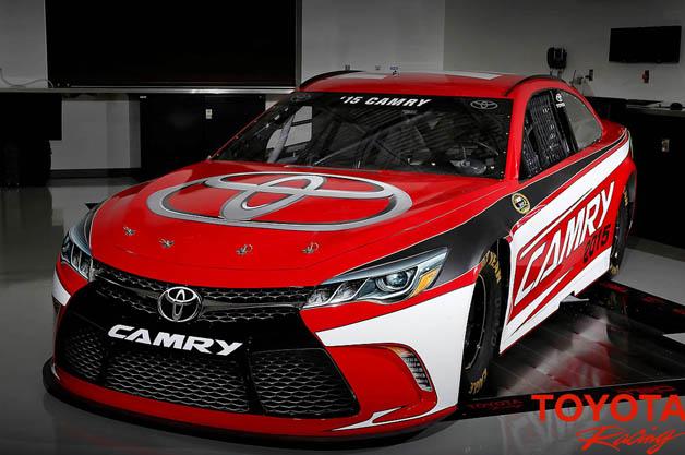 トヨタが来シーズンのNASCAR用新型「カムリ」をお披露目