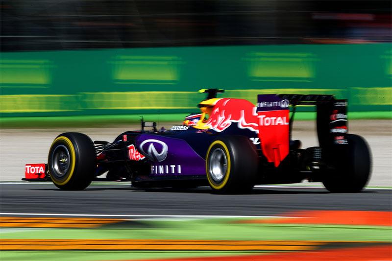 Daniil Kvyat drives during the 2015 Italian F1 Grand Prix.