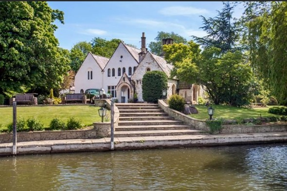 Your own private island just £3.95m - in Berkshire
