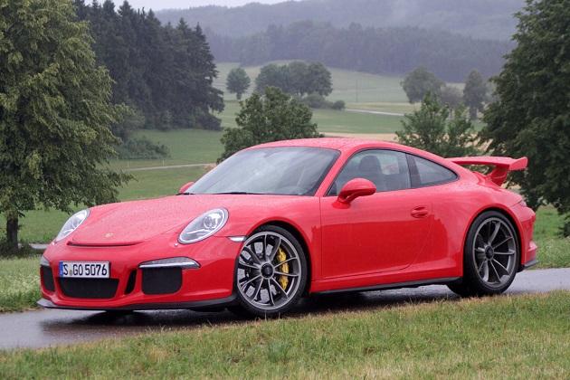 ポルシェ、次世代型「911 GT3」にはマニュアル・トランスミッションを用意?