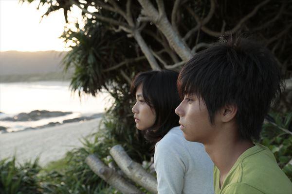 奄美を舞台に命の奇跡を描いた河瀨直美監督最新作『2つ目の窓』が特典満載でリリース