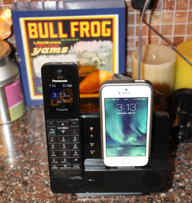 Panasonic KX-PRL262 Link-to-Cell Docking Station for iPhone