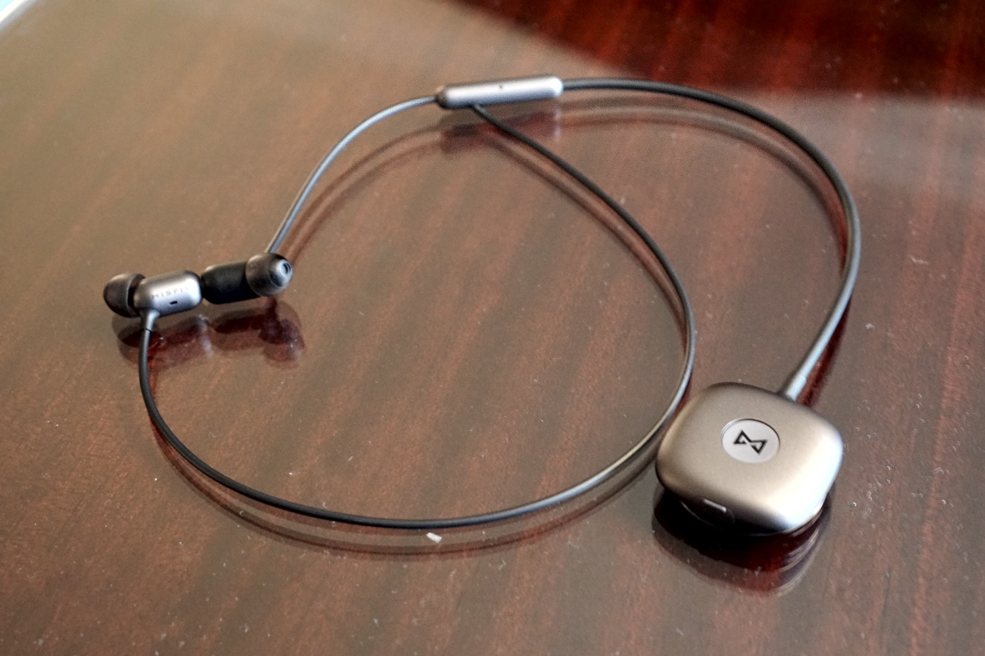 Misfit dives into smart, wireless headphones with Specter