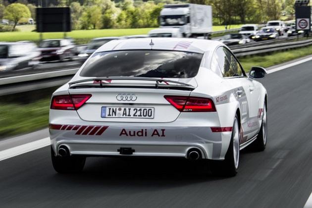 アウディが目指す、自動運転車に優しい道路とは?