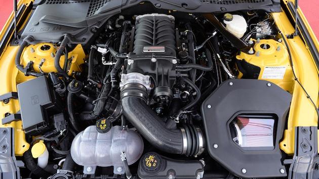 【ビデオ】フォード、「マスタング」と「F-150」のV8エンジン用スーパーチャージャー・キットを発表 メーカー保証付きで640〜700馬力に