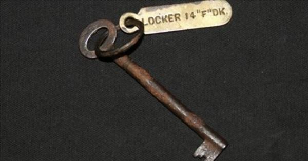 タイタニック号のロッカーの鍵が1000万円以上の高値で落札!