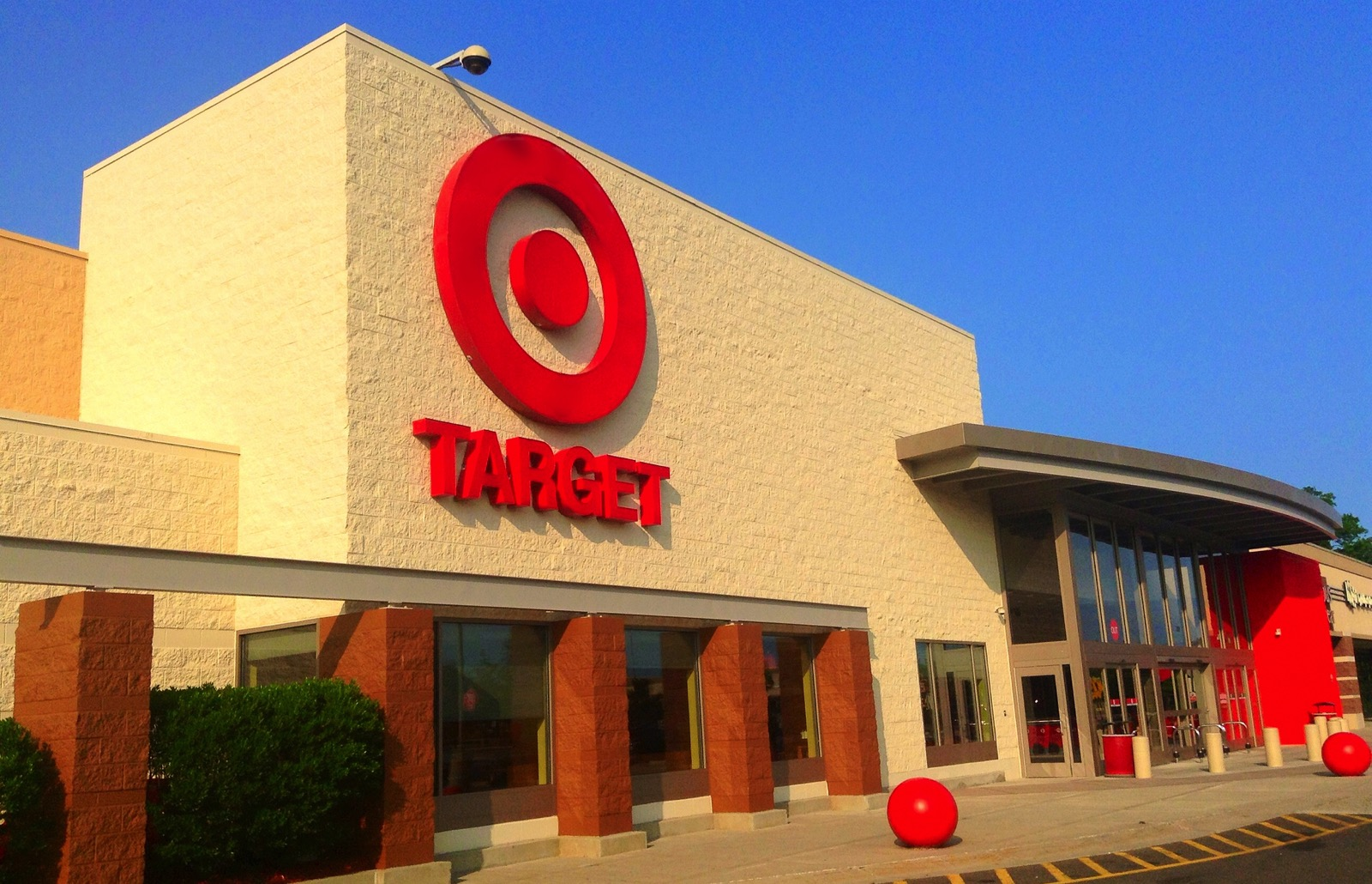Target buys same-day delivery company to battle Amazon