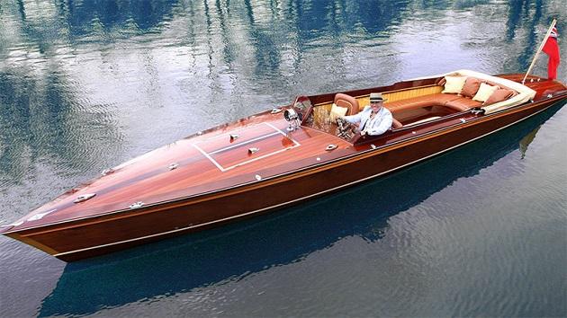 マクラーレンのデザイナー、フランク・ステファンソンが手掛けた美しい電気ボート