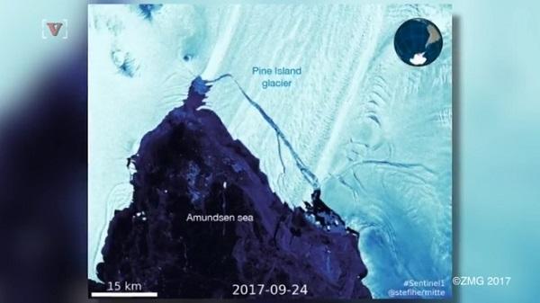 巨大氷山が南極から分離!面積はニューヨーク・マンハッタン島の約4倍