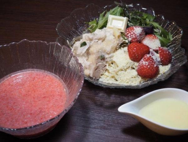 ホワイトチョコ×イチゴ×蒸し鶏×つけ麺?!『つけガーナホワイト』が3月14日まで限定発売