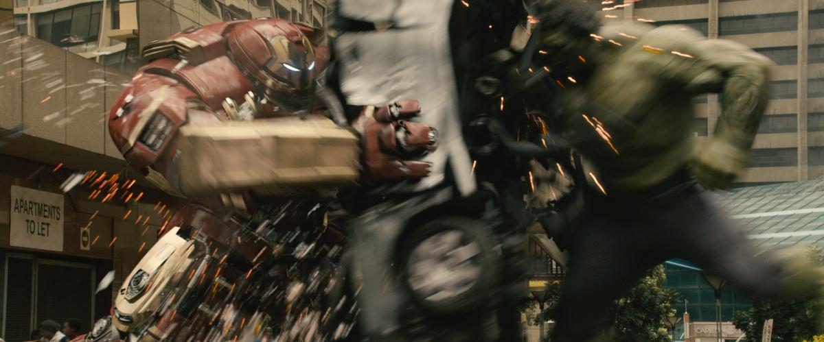 Marvel's Avengers: Age Of UltronL to R: Hulkbuster Iron Man armor (Robert Downey Jr.) and Hulk (Mark Ruffalo)Ph: Film Frame©Marvel 2015