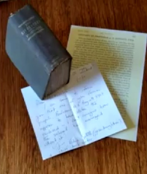 返却期限を120年以上過ぎた本がようやく図書館に返される!