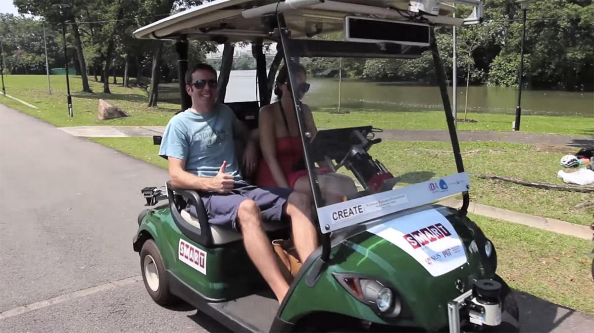 Autonomous golf carts drive tourists around in Singapore
