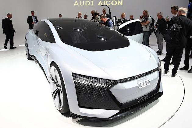アウディの「Aicon」は、完全自動運転を実現する未来のラグジュアリー・セダン
