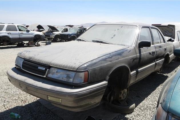 1990年型マツダ「929(ルーチェ)」を、サンフランシスコの廃車置場で発見!