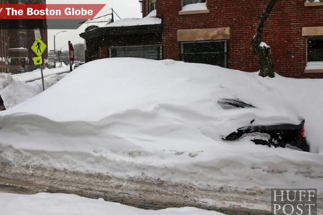 【ビデオ】大雪に見舞われたボストンで、2.5メートルもの積雪の下から7週間ぶりに愛車を発掘!