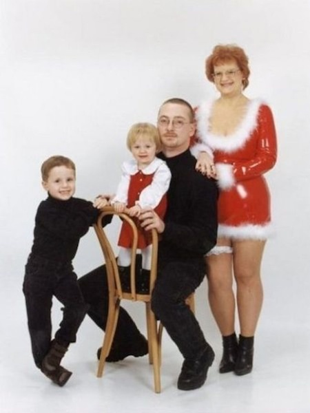 funny christmas cards, funny christmas photos, inappropriate mom christmas