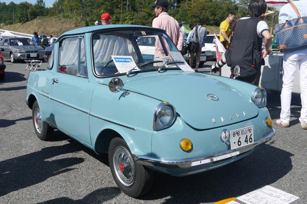 三次試験場50周年を記念して集まった歴代マツダ車の中から、魅力的な軽自動車をご紹介!